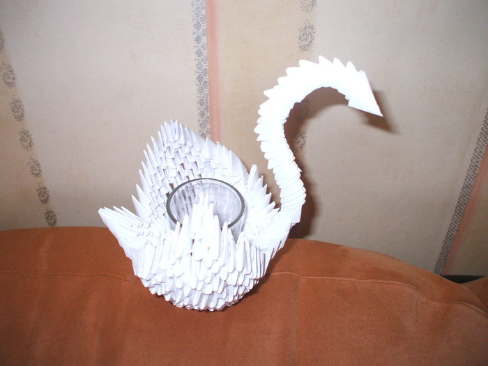 How to Make an Origami Swan (Intermediate) - video tutorial ... | 525x700