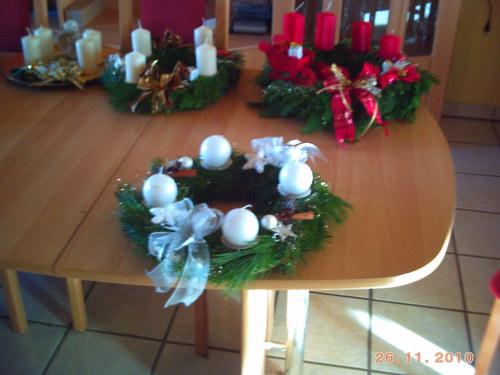 adventsteller schwarz weiss bastelideen zu weihnachten basteln zur weihnachtszeit und. Black Bedroom Furniture Sets. Home Design Ideas