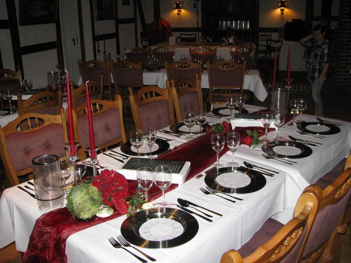 Tischdeko zur hochzeit mustertische und tischdeko zur for Dekoration zur goldenen hochzeit